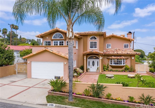 Custom Big View Home. Rebuilt in 1990. Updated in 2020. 4 Bedrooms 3.5 Baths + Office in 3480 sf. Level Lot has 7261 sf. New Kitchen Opens to Living Room with Fireplace. Large Family Room with Big Wet Bar & Fireplace & Roomy View Deck. Vaulted Ceilings Upstairs. Large Master Suite with Wraparound View Balcony, Fireplace and Walk in Closet. Central Air Conditioning. Multiple Viewing Decks. Grass Front & Back Yards. Patio & Barbecue Areas in Back Yard with Views. A Rare Combination of Features.