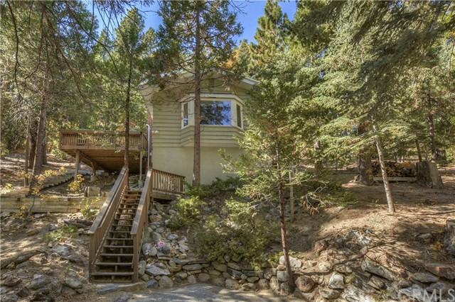 888 Sierra Vista, Twin Peaks, CA 92391