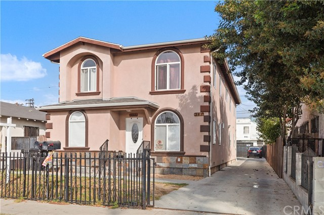 819 E 73rd Street, Los Angeles, CA 90001