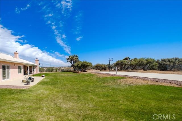 9875 Alta Mesa Rd, Oak Hills, CA 92344 Photo 5