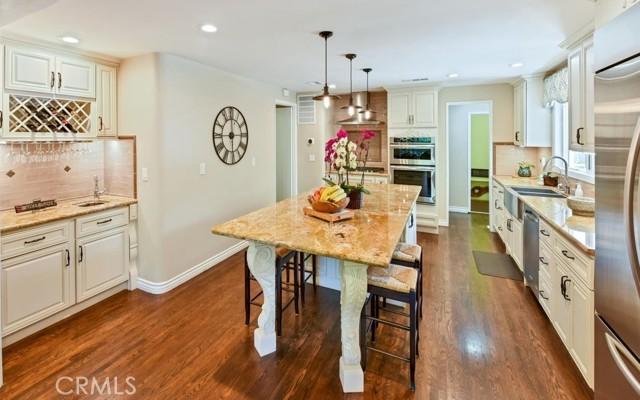 17. 566 W 11th Street Claremont, CA 91711
