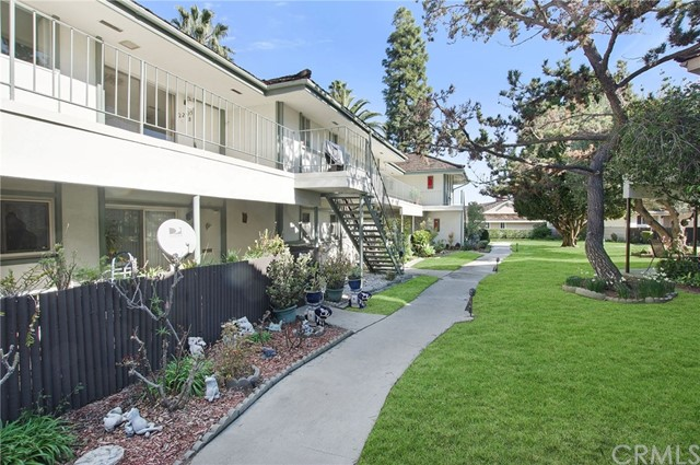 22935 Maple Avenue, Torrance, California 90505, 1 Bedroom Bedrooms, ,2 BathroomsBathrooms,Condominium,For Sale,Maple,SB19021163