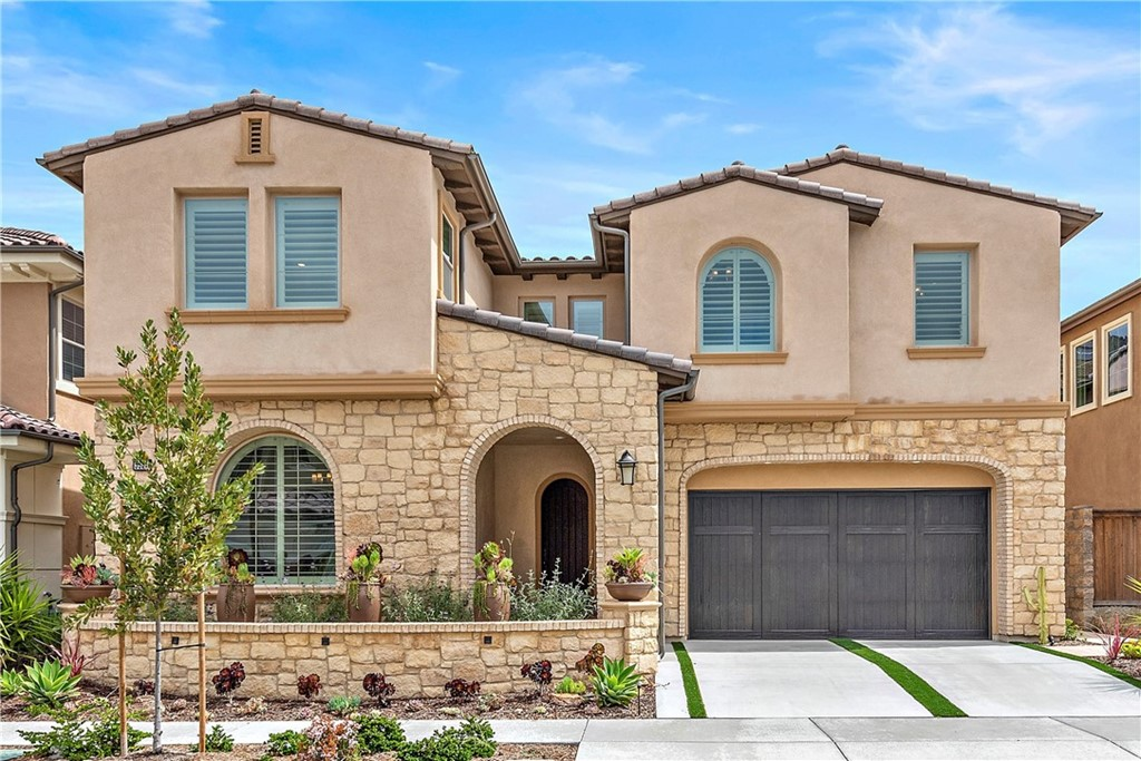 Photo of 5557 Heritage Oak Drive, Lake Forest, CA 92679