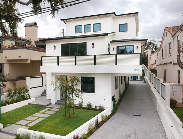 1108 Vincent Street A, Redondo Beach, California 90277, 4 Bedrooms Bedrooms, ,3 BathroomsBathrooms,For Sale,Vincent,SB18102479