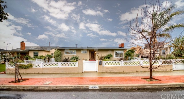 400 Avenue D Avenue, Redondo Beach, California 90277, 2 Bedrooms Bedrooms, ,1 BathroomBathrooms,Single family residence,For Sale,Avenue D,SB19032912