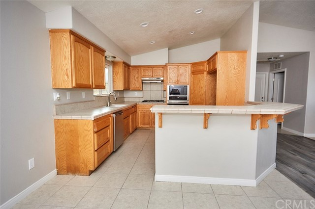 32755 Spinel Rd, Lucerne Valley, CA 92356 Photo 10