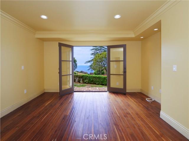 33. 1012 Via Mirabel Palos Verdes Estates, CA 90274