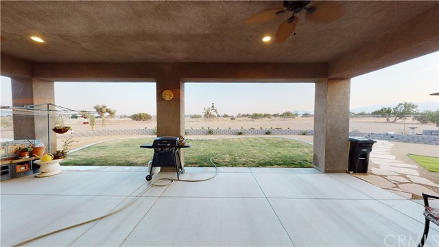 9957 Silver Palm Dr, Oak Hills, CA 92344 Photo 32