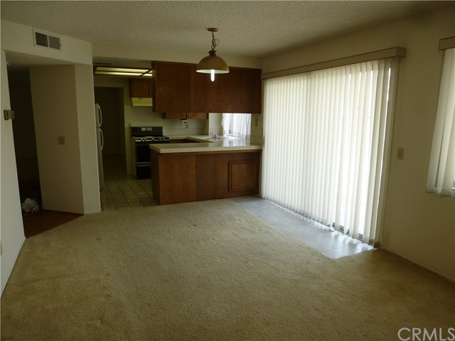 45486 Clubhouse Dr, Temecula, CA 92592 Photo 2