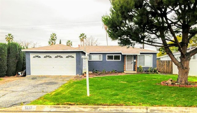 1237 S Valley Center Avenue, Glendora, CA 91740