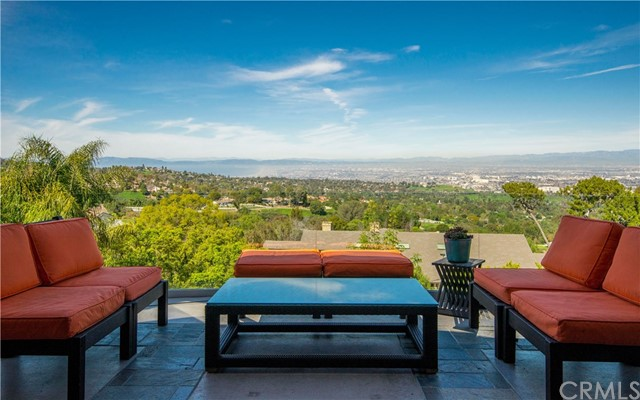 2 Pine Tree Lane, Rolling Hills, California 90274, 6 Bedrooms Bedrooms, ,2 BathroomsBathrooms,For Sale,Pine Tree,PV20217626