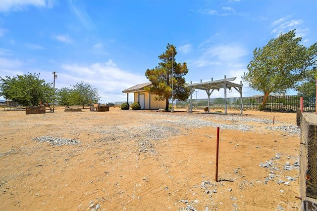 12780 Fir St, Oak Hills, CA 92344 Photo 52