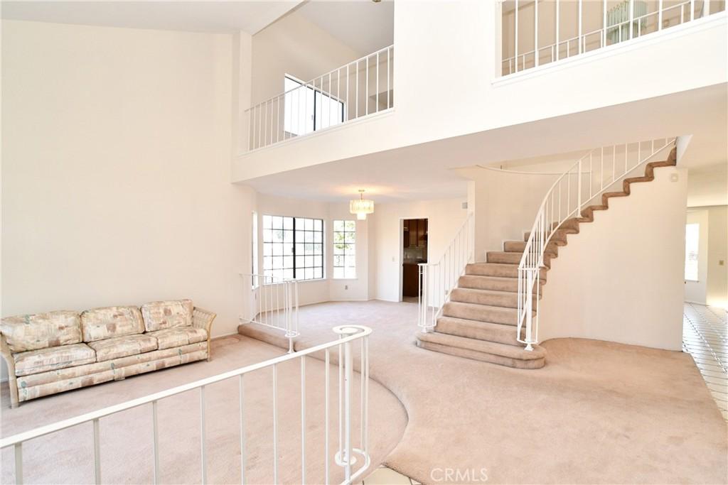 房产卖价 : $119.90万/¥825.00万