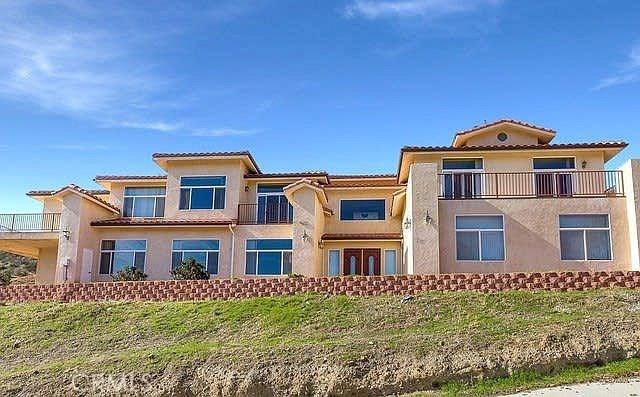 9455 Hierba Road, Agua Dulce, CA 91390