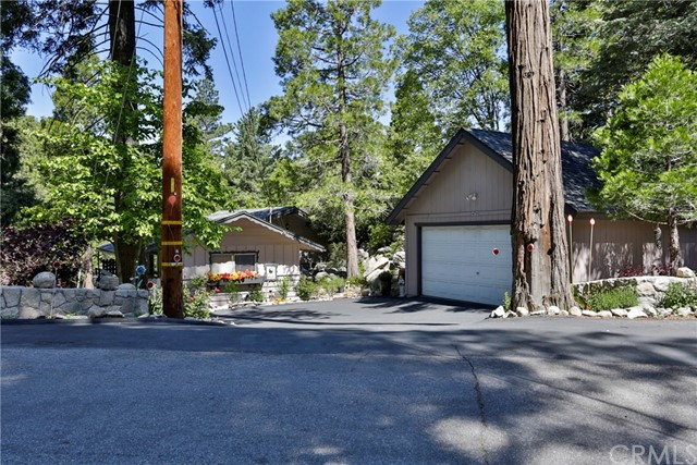 24790 Felsen Drive, Crestline, CA 92325