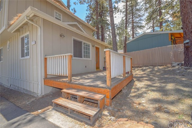 1439 Ross ST, Wrightwood, CA 92397