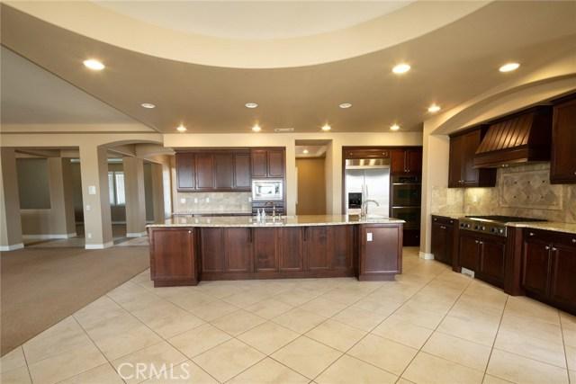 7560 Royal View Ln, Oak Hills, CA 92344 Photo 9