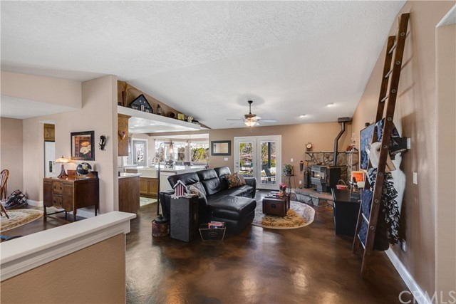10260 Whitehaven St, Oak Hills, CA 92344 Photo 13