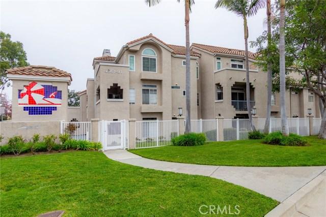 4561 Warner Avenue 203, Huntington Beach, CA 92649