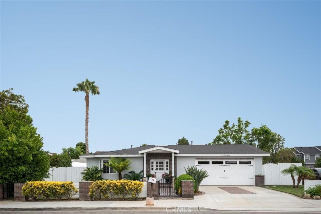 157 Wilson, Costa Mesa CA