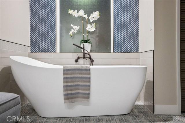 master bathroom - soaking tub!