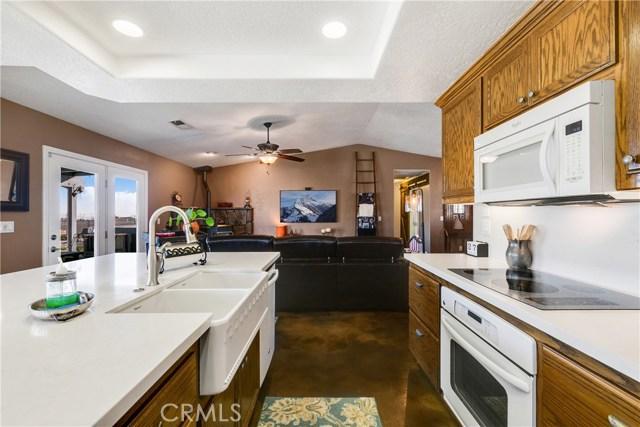 10260 Whitehaven St, Oak Hills, CA 92344 Photo 21