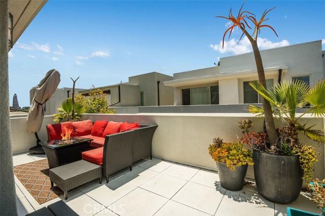 19. 5243 Pacific Terrace Hawthorne, CA 90250