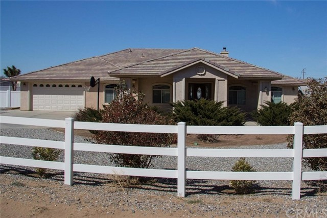 9620 Smith Road, Phelan, CA 92371