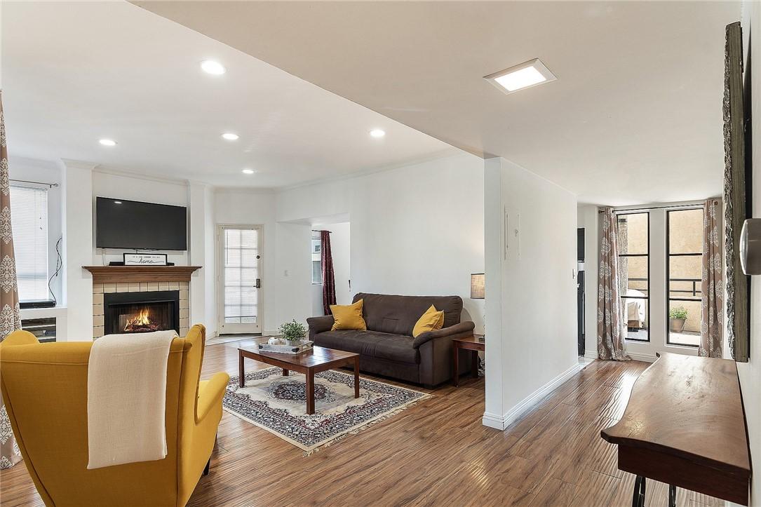 437 E Palm Avenue 106, Burbank, CA 91501