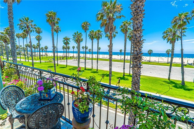 118 Wadsworth Avenue 8, Santa Monica, CA 90405