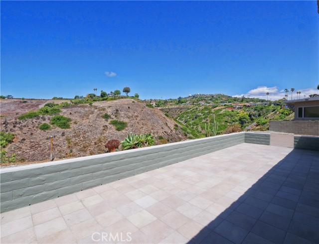 25. 30745 Tarapaca Road Rancho Palos Verdes, CA 90275