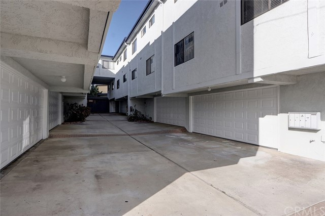 2115 Carnegie Lane, Redondo Beach, California 90278, ,For Sale,Carnegie,SB20218476