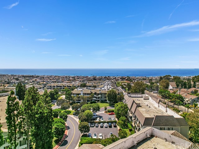 300 Cagney Lane, Newport Beach, California 92663, 2 Bedrooms Bedrooms, ,2 BathroomsBathrooms,Residential Purchase,For Sale,Cagney,NP21199144