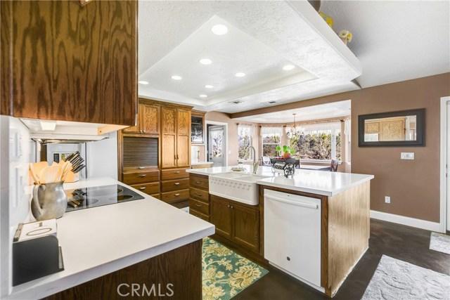 10260 Whitehaven St, Oak Hills, CA 92344 Photo 19