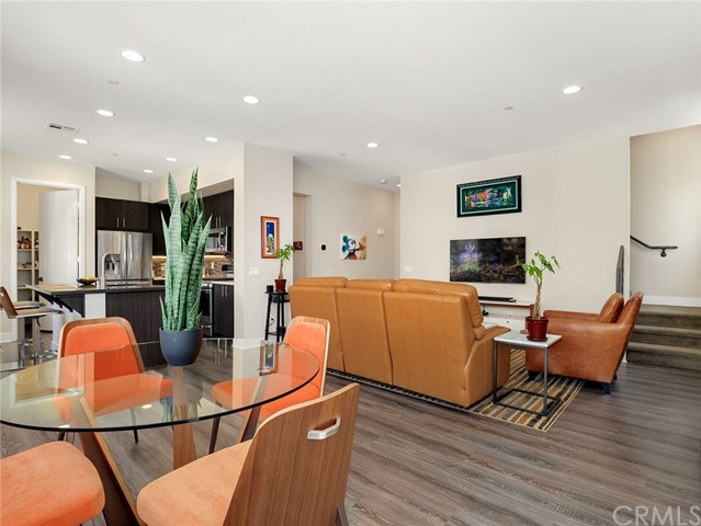 2753 Waverly Drive 304, Los Feliz, CA 90039