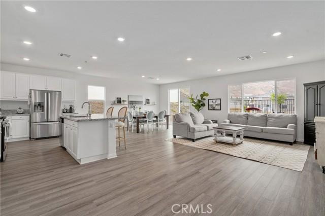 8077 Muir Lane, Riverside, California 92507, 4 Bedrooms Bedrooms, ,3 BathroomsBathrooms,Residential,For Sale,Muir,IG21159022