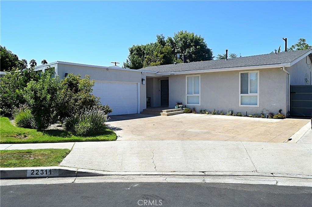 22311     Mobile Street, Woodland Hills CA 91303