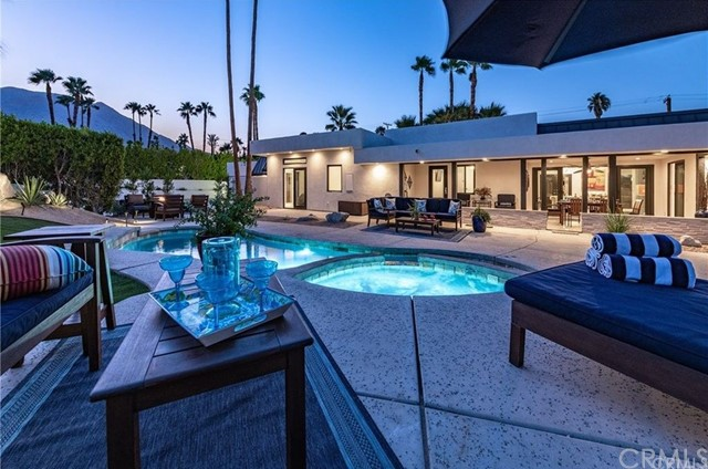 303 W Via Escuela, Palm Springs, CA 92262
