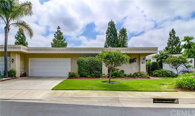 Photo of 5584 Via Dicha #B, Laguna Woods, CA 92637