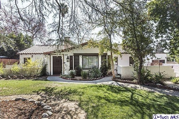 1040 E Woodbury Rd, Pasadena, CA 91104 Photo 1