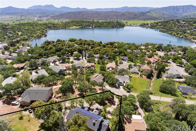Photo of 18790 Oak Grove Road, Hidden Valley Lake, CA 95467