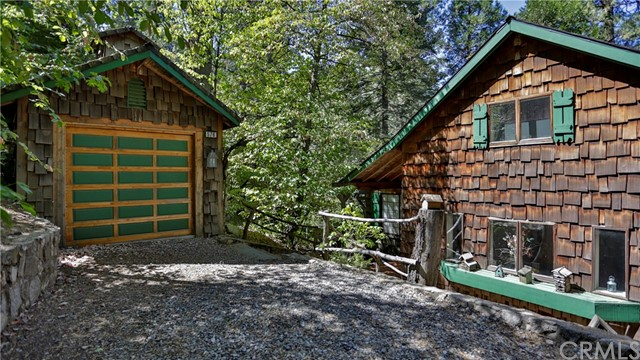 576 Dogwood Canyon Road, Blue Jay, CA 92317