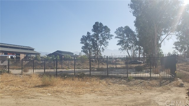 535 W Stuart Avenue, Redlands, CA 92374
