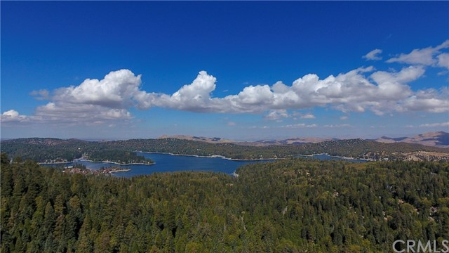 746 Blue Ridge Drive, Lake Arrowhead, CA 92385