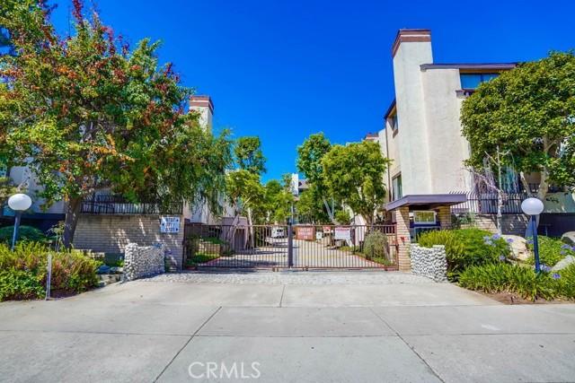 2. 8711 Falmouth Avenue #110 Playa del Rey, CA 90293