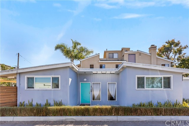 476 36th Street, Manhattan Beach, California 90266, 2 Bedrooms Bedrooms, ,1 BathroomBathrooms,For Sale,36th,SB20134064