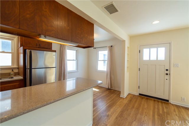 429 29th Street B, Hermosa Beach, California 90254, 2 Bedrooms Bedrooms, ,For Rent,29th,SB21064331