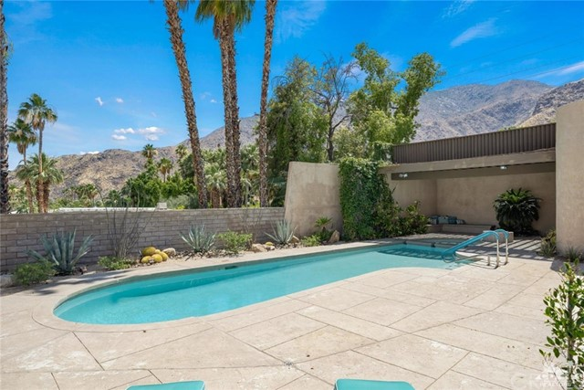 601 W Stevens Road, Palm Springs, CA 92262