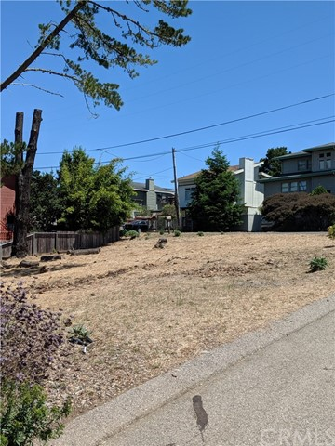 Side view of lot and neighborhood