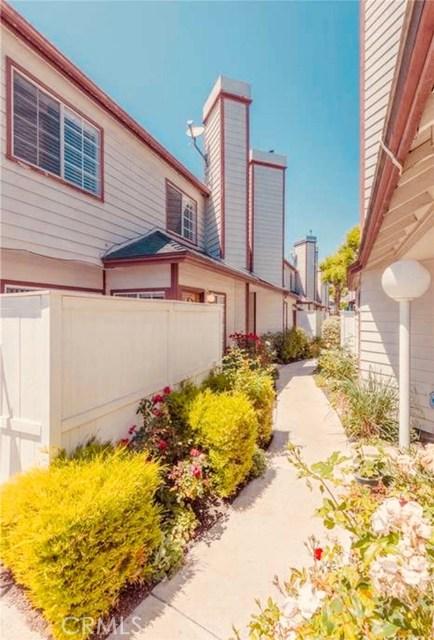 732 255th Street E, Harbor City, CA 90710